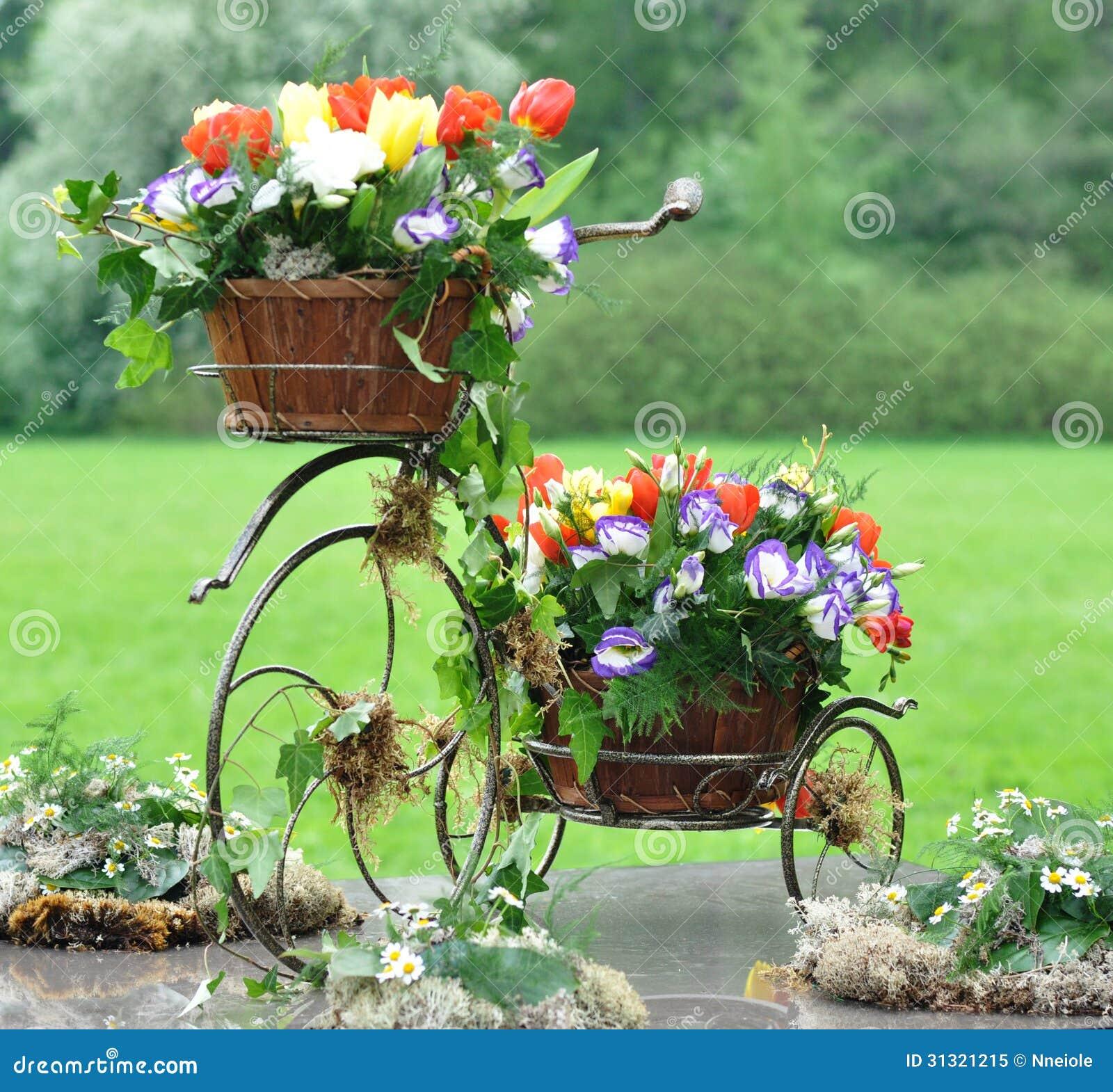 Vintage Garden Bicycle Royalty Free Stock Photo - Image: 31321215