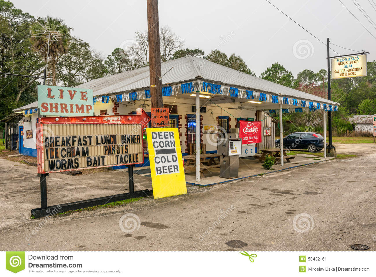 Vintage gas pump on us highway 19 florida editorial photo for Old fashioned general store near me