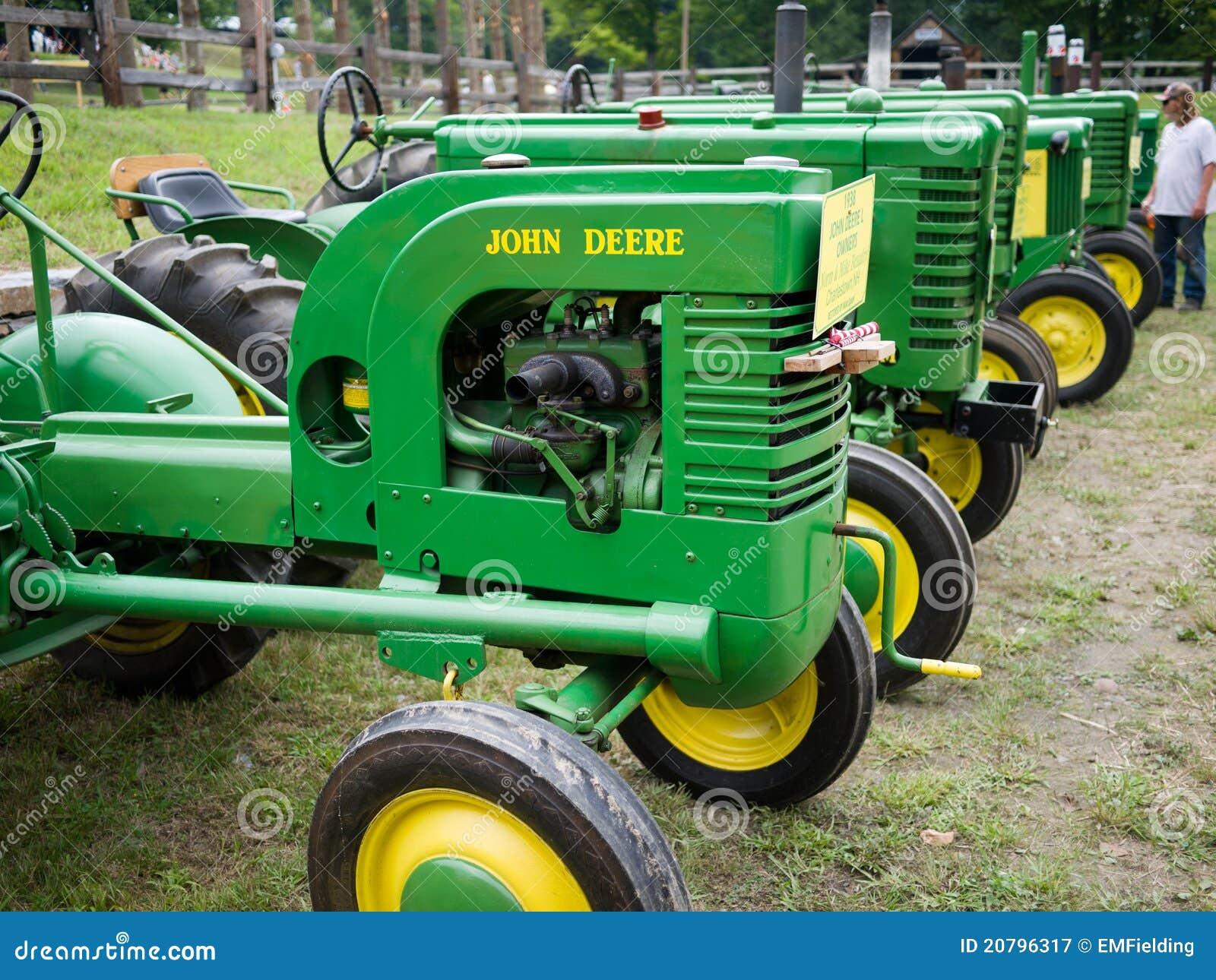 Old John Deere Tractors : Vintage john deere antique tractors editorial photography