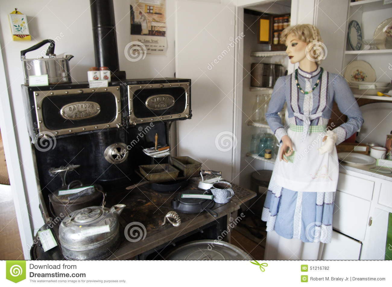 Download Vintage Kitchen WWII Alaska Highway Editorial Photography - Image of cooking, dawson: 51216782