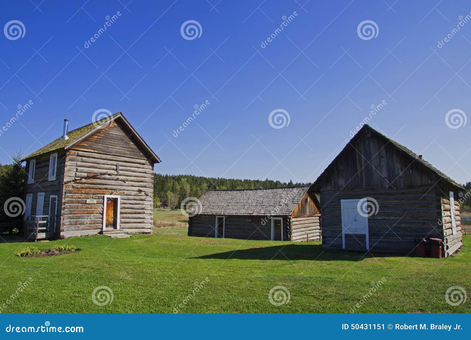 Vintage Log cabin house