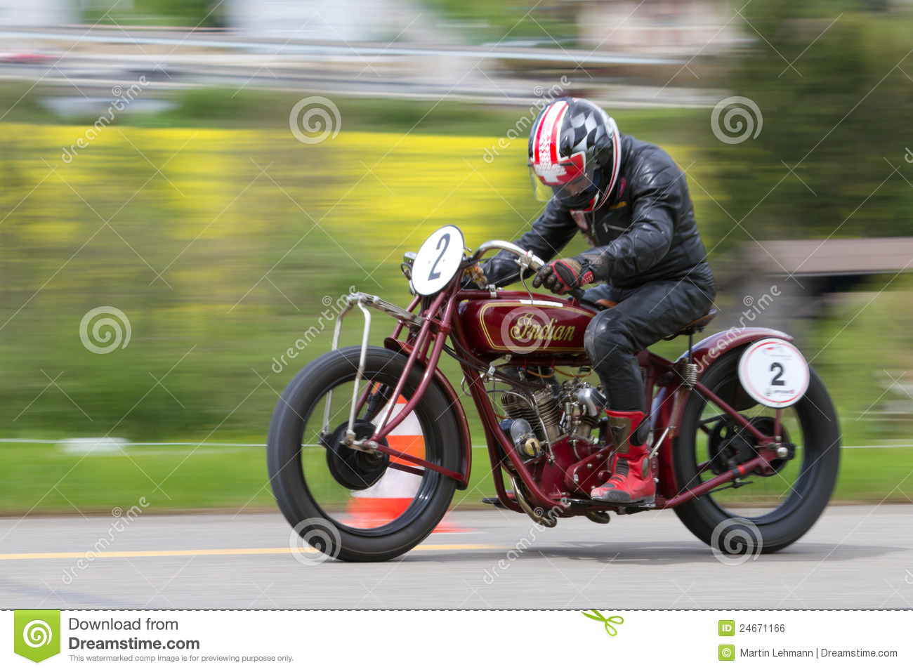 072617-2018-indian-scout-sixty - Motorcycle.com
