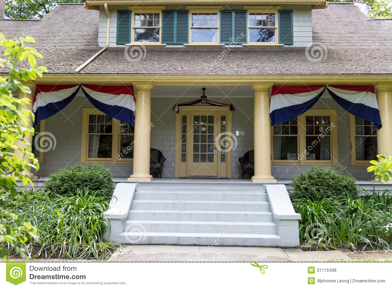 Vintage old house royalty free stock photos image 31115498 for Old house classics