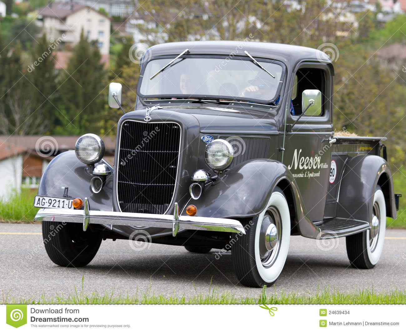 vintage pre war car ford pick up from 1936 editorial stock image image of history prix 24639434. Black Bedroom Furniture Sets. Home Design Ideas