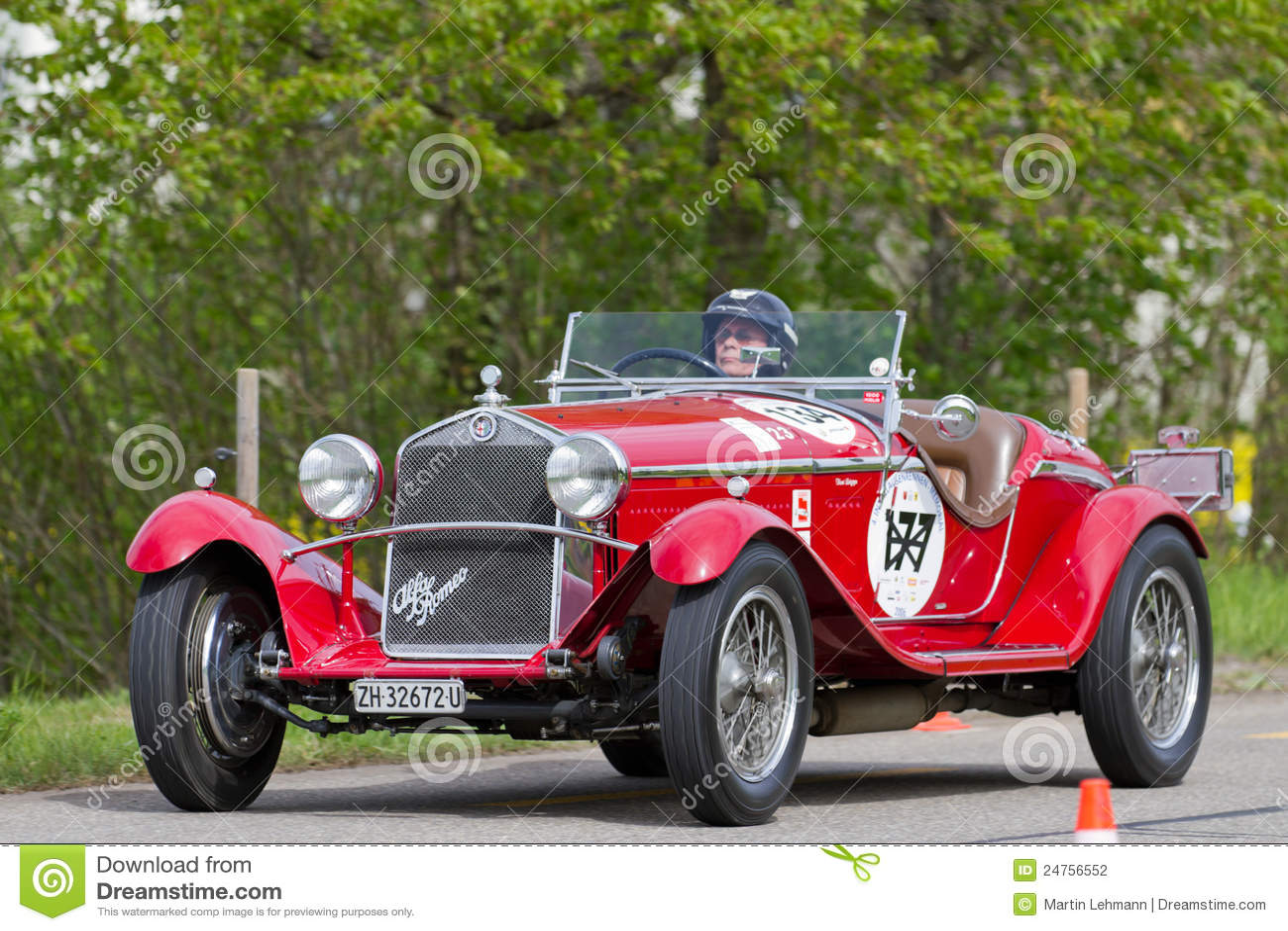 Gentil Vintage Pre War Race Car Alfa Romeo