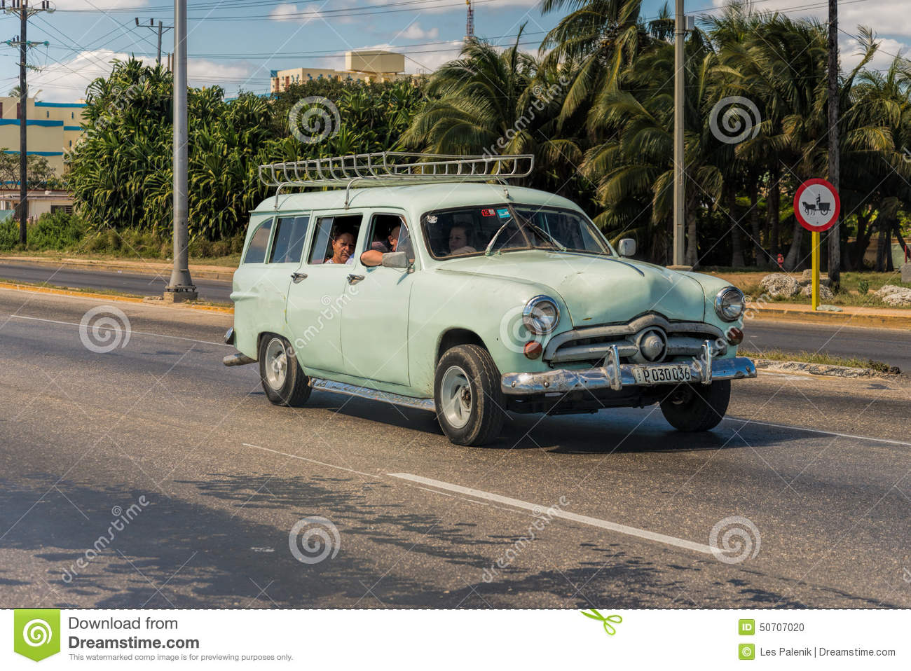 Vintage station wagon editorial image. Image of tourism - 50707020