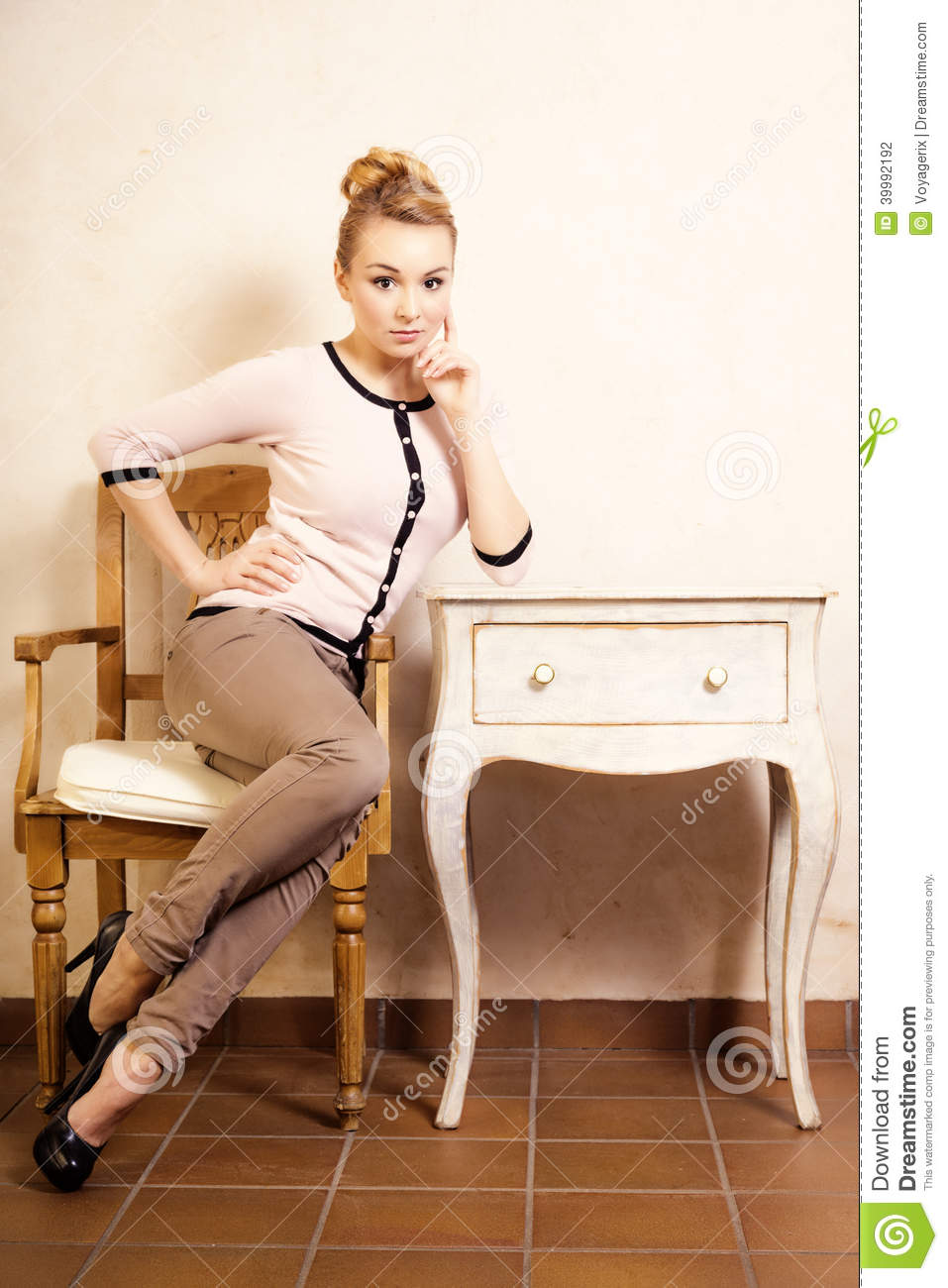 Vintage Style Girl Sitting At The Retro Desk Stock Photo Image 39992192