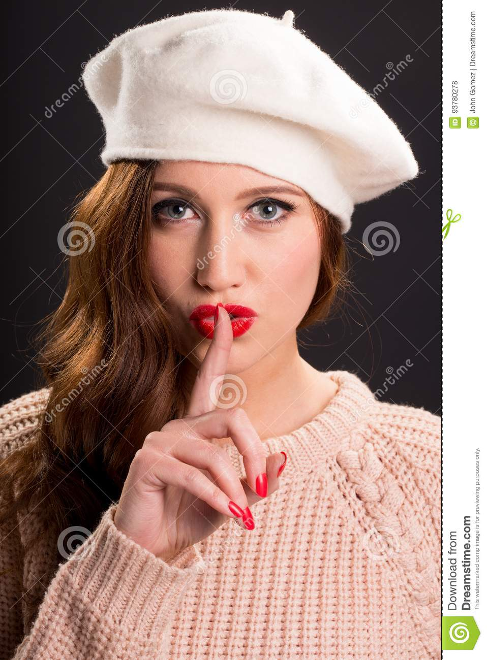 3c8f2b8db42 Vintage Style Portrait Of Beautiful Young Woman Wearing A Beret Hat ...