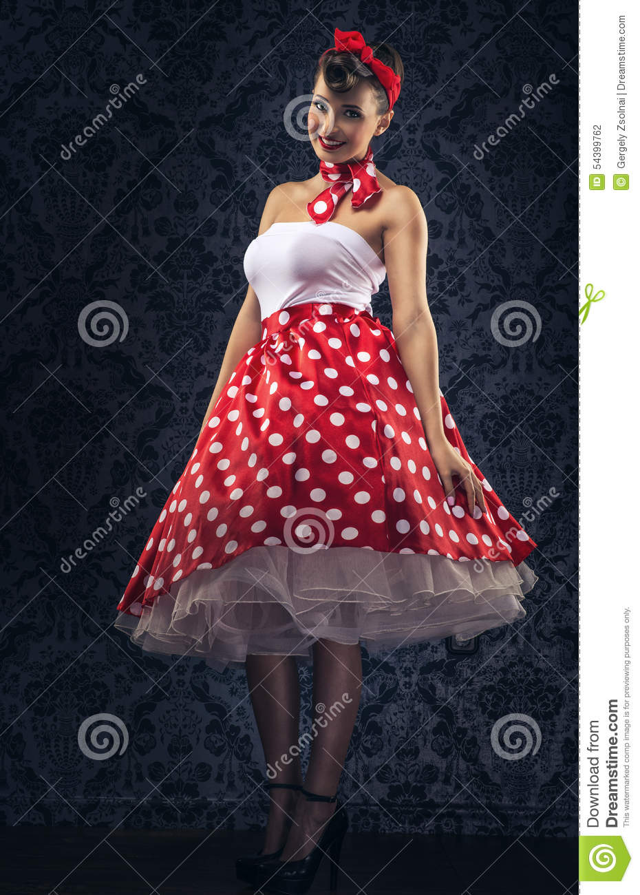 Vintage style woman is the vintage room in polka dots - Ropa vintage sevilla ...