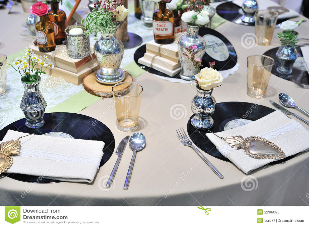 Vintage table decoration for wedding event royalty free - Deco table retro ...