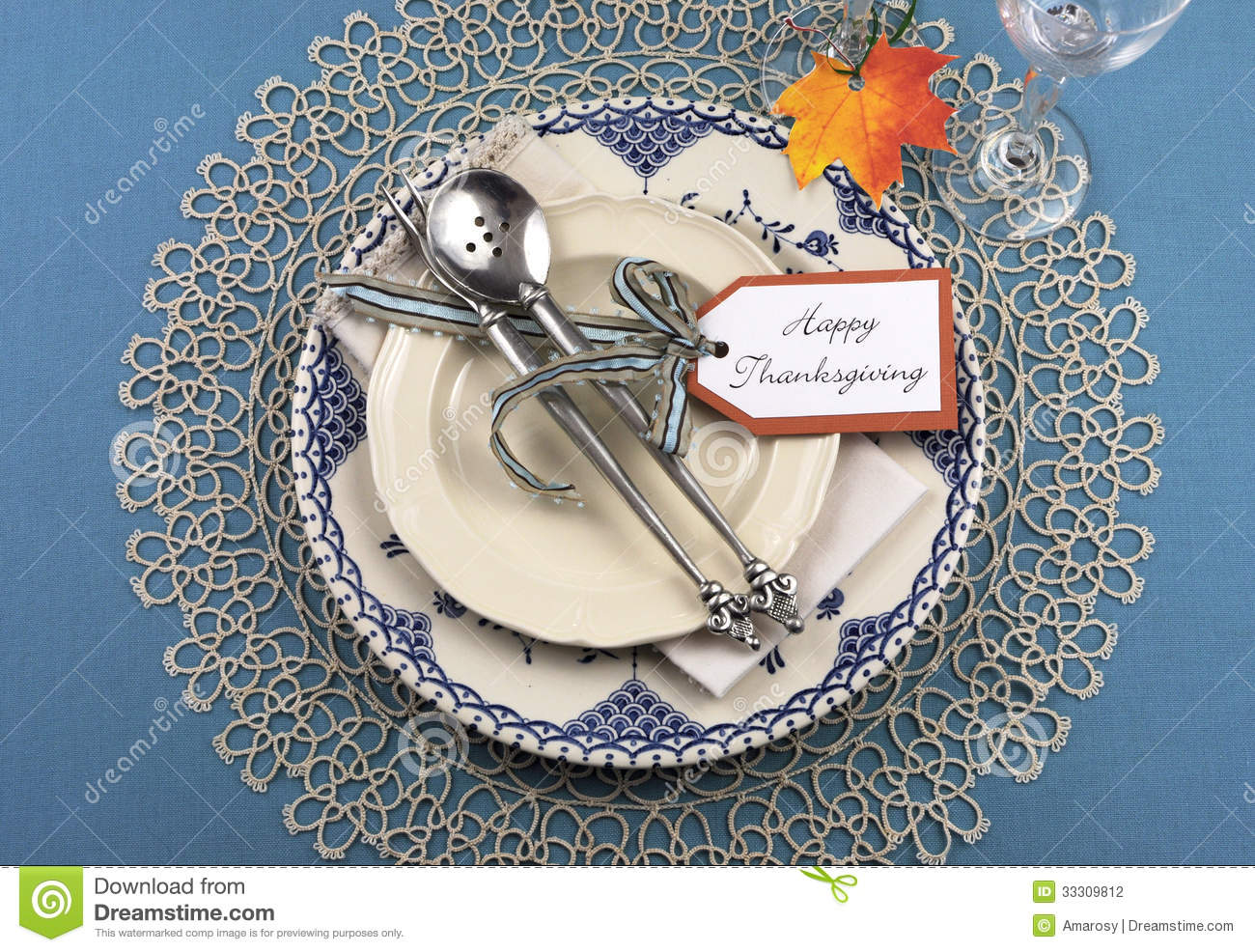 Vintage Thanksgiving Dinner Table Place Setting Stock  : vintage thanksgiving dinner table place setting beautiful shabby chic blue plate antique silverware lace doily 33309812 from www.dreamstime.com size 1300 x 986 jpeg 283kB