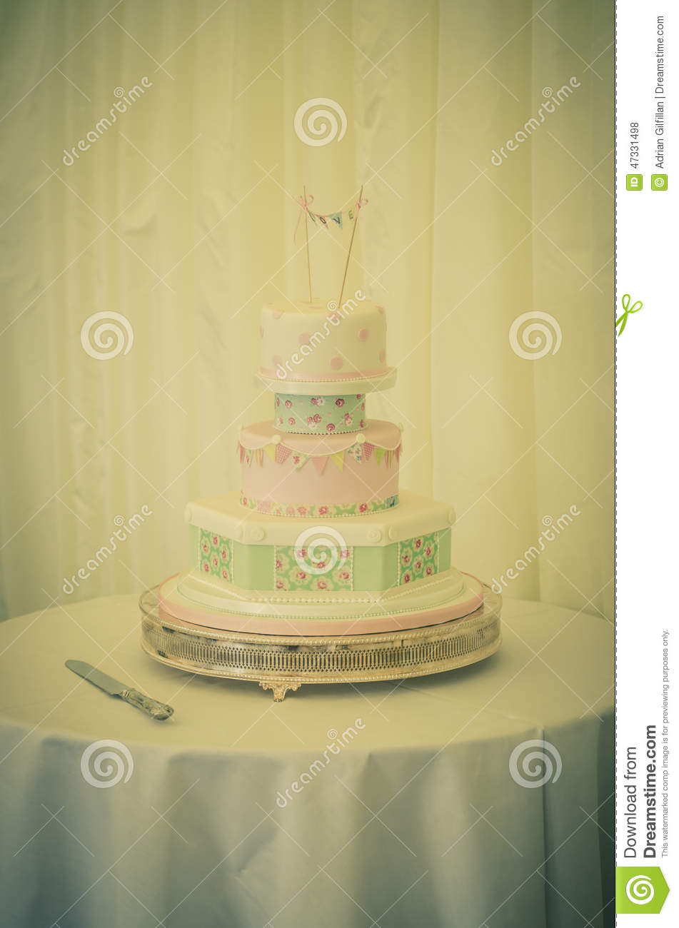 Vintage wedding cake stock photo. Image of reception - 47331498