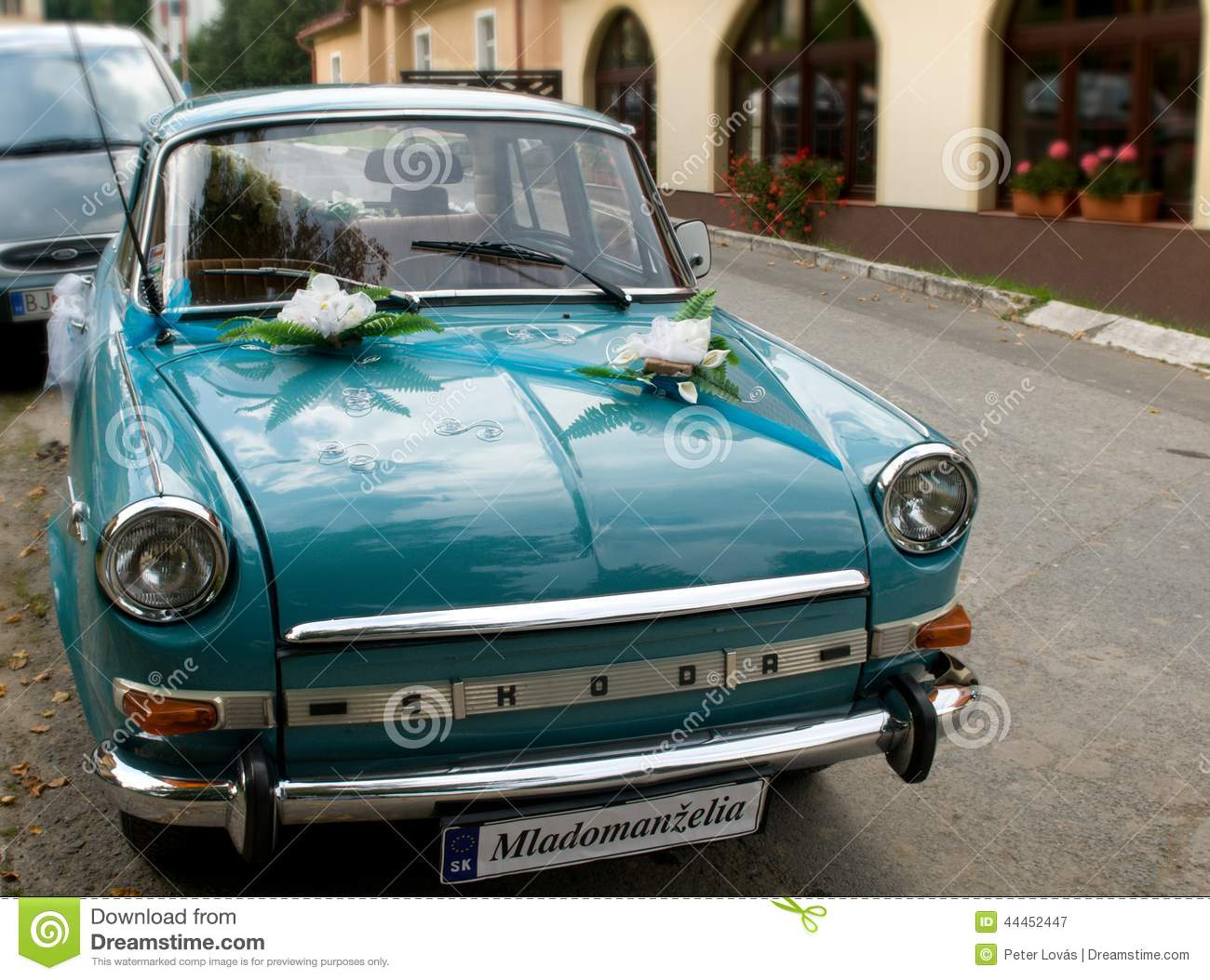 Vintage Wedding Car Decorated Flowers Stock Photos - 339 Images