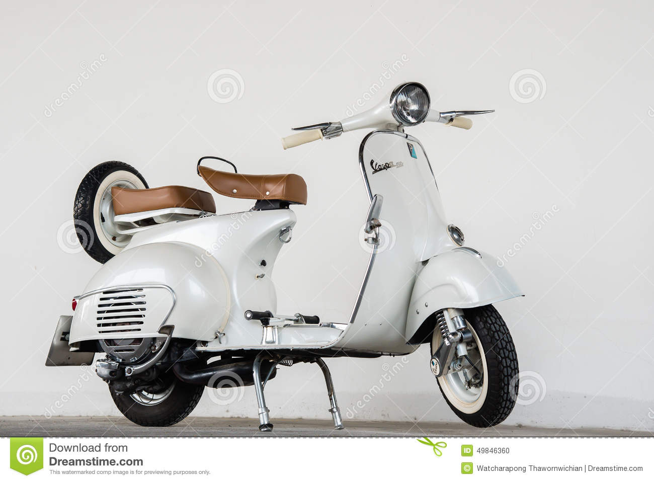 classic vespa scooters white. Black Bedroom Furniture Sets. Home Design Ideas