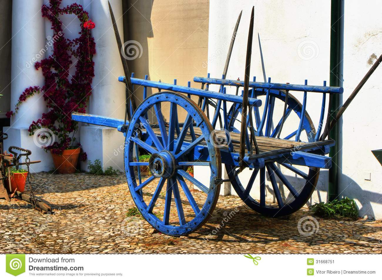 Vintage wooden cart in Alentejo