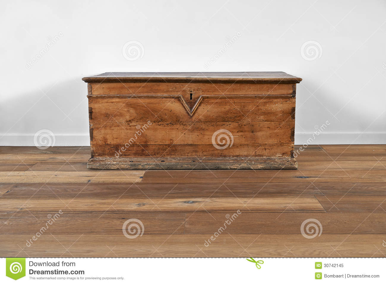 Vintage Wooden Chest Royalty Free Stock Photo Image: 30742145. Full resolution  portraiture, nominally Width 1300 Height 958 pixels, portraiture with #85A922.