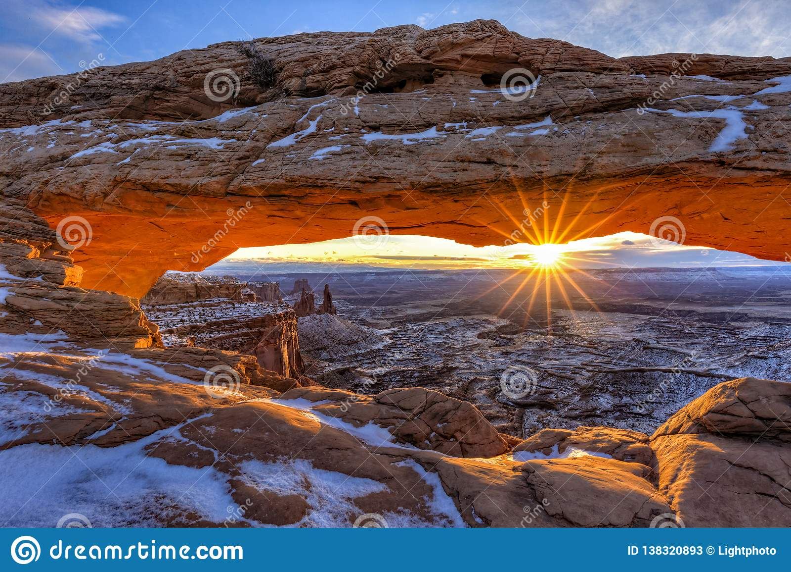 Vintersoluppgång Mesa Arch