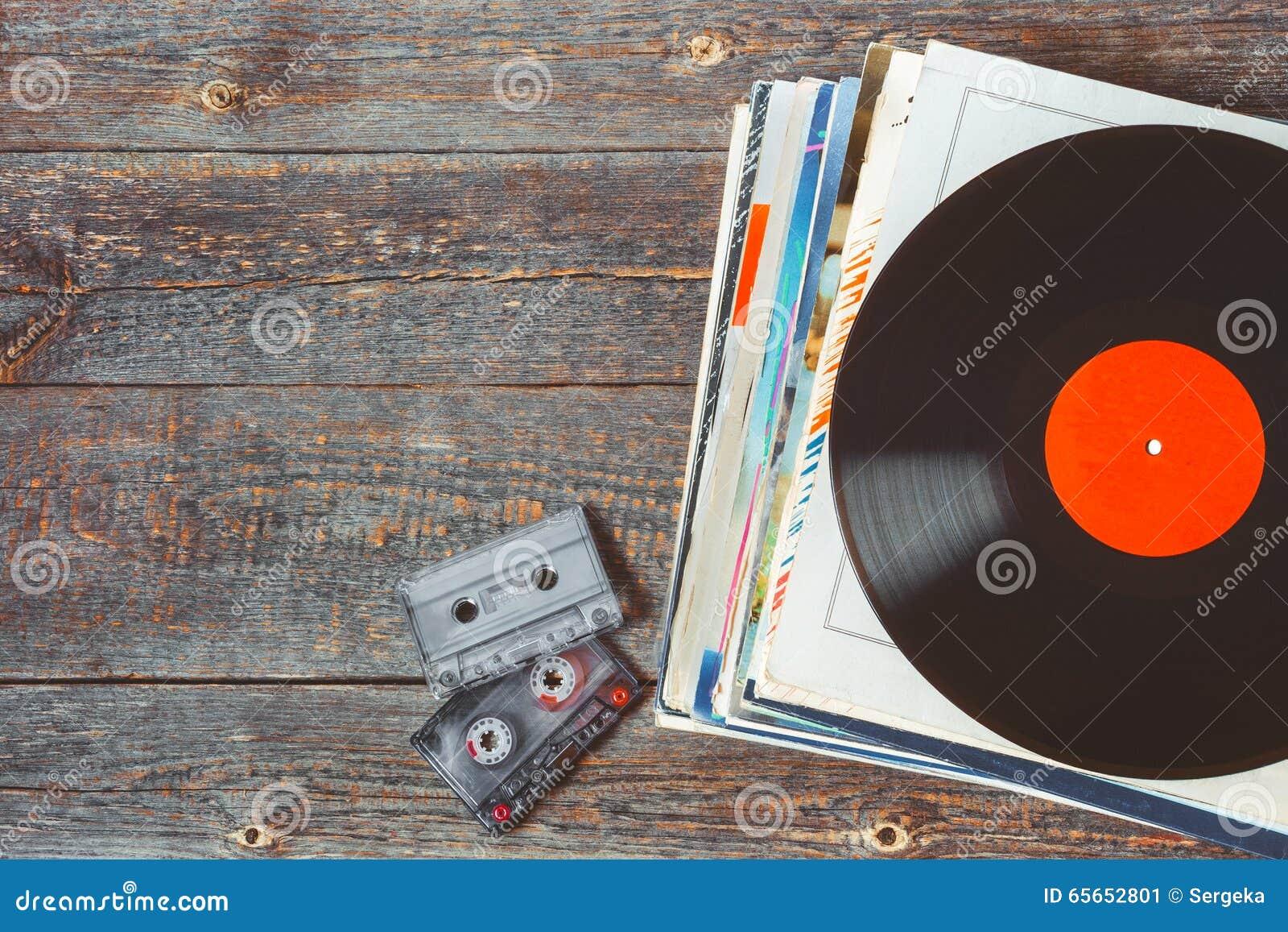 Vinylaufzeichnungen und -kassetten