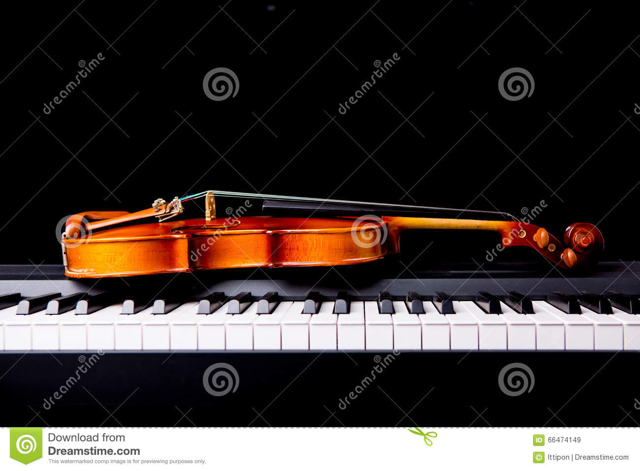 Violin on the piano stock image  Image of sound, instrumental - 66474149