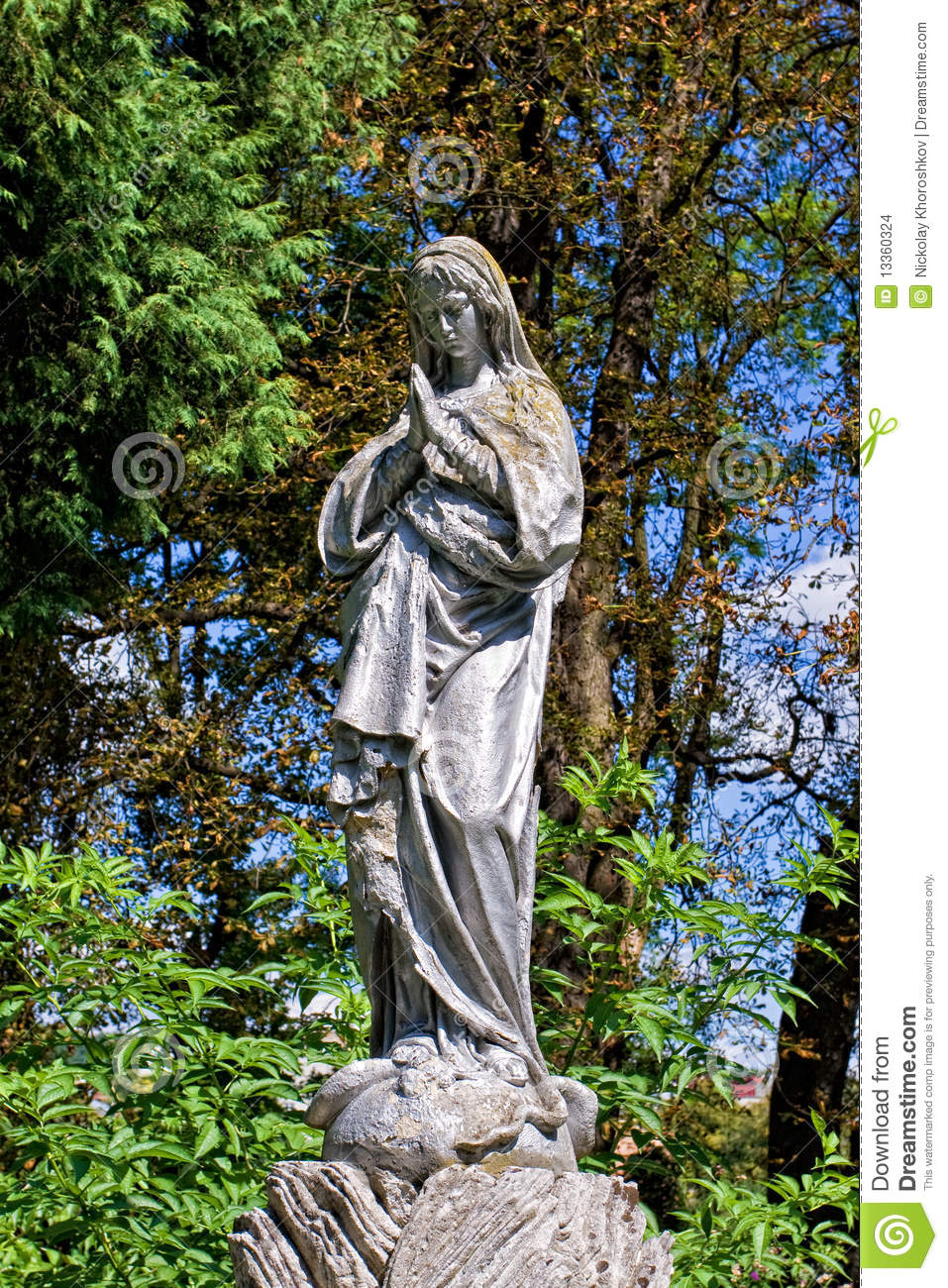 virgin mary statue stock images image 13360324