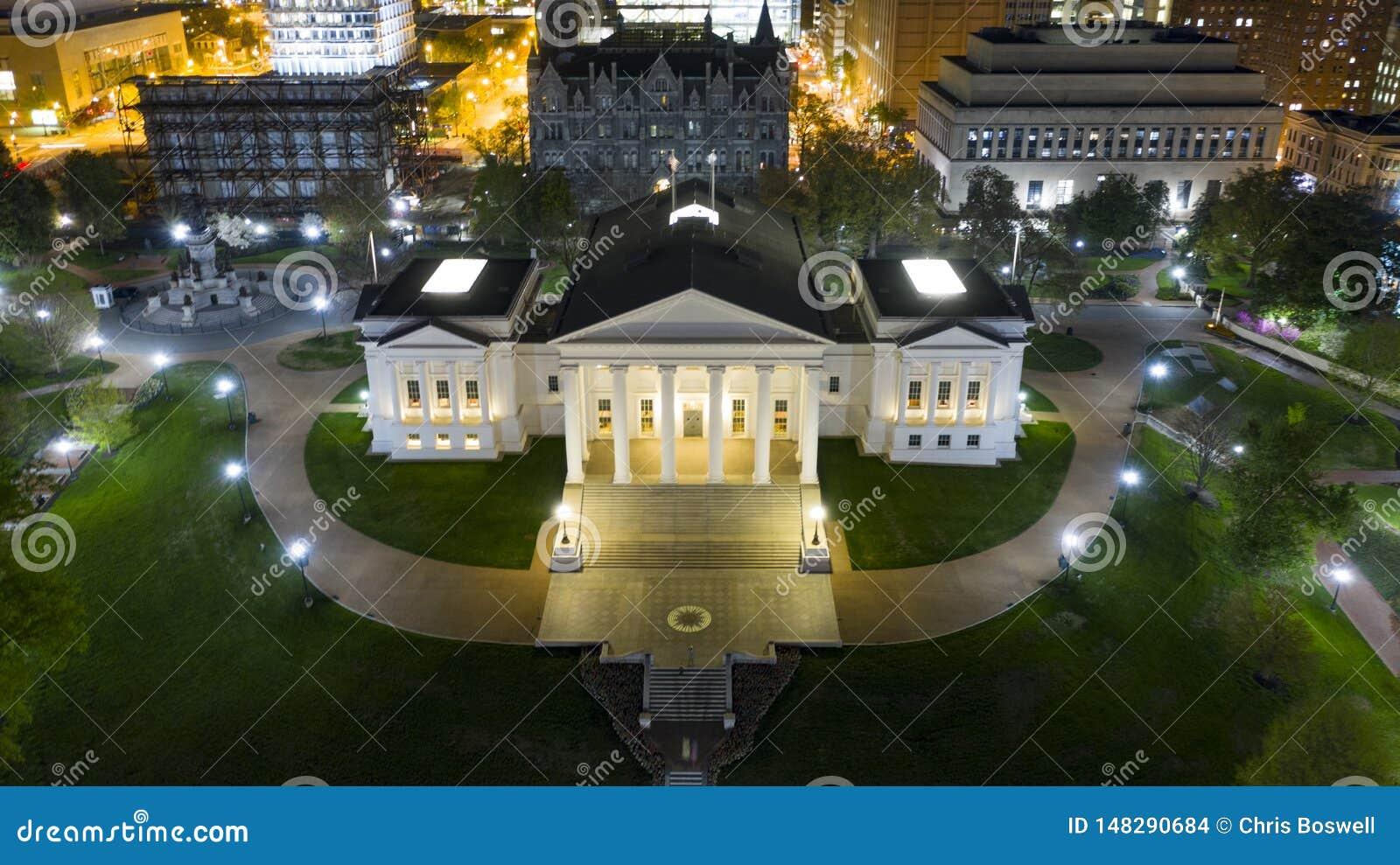 Virginia State Capital Building Downtown för flyg- sikt stads- mitt Richmond