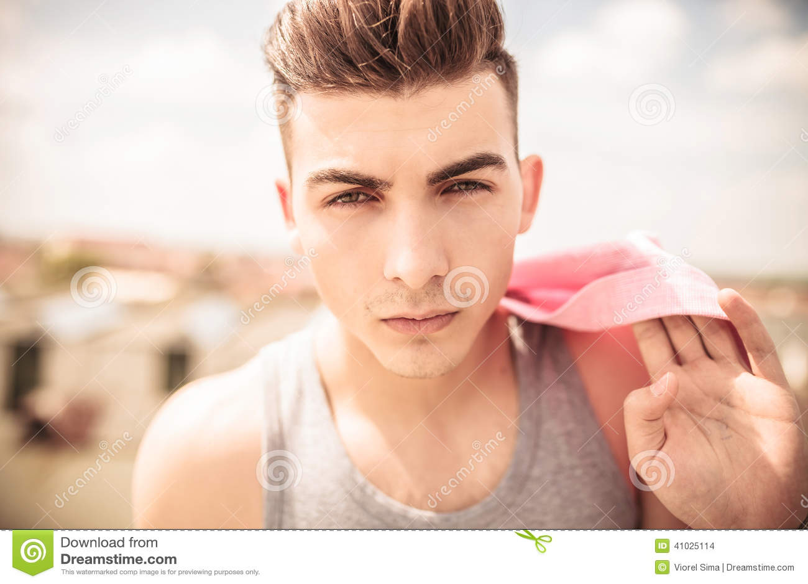 visage d 39 un jeune homme beau photo stock image du t te people 41025114. Black Bedroom Furniture Sets. Home Design Ideas
