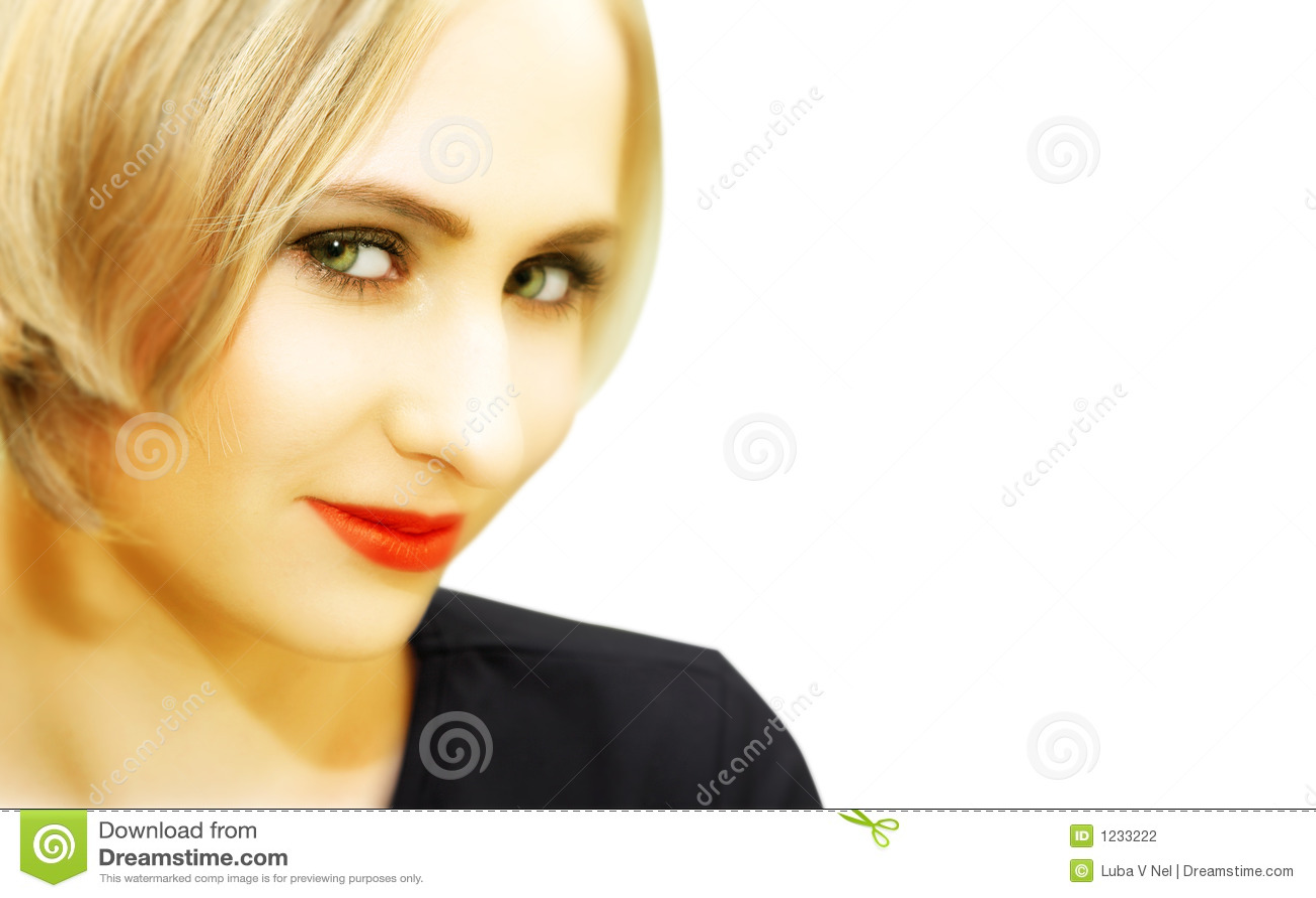 visage de jeune femme blonde avec les yeux verts photo. Black Bedroom Furniture Sets. Home Design Ideas