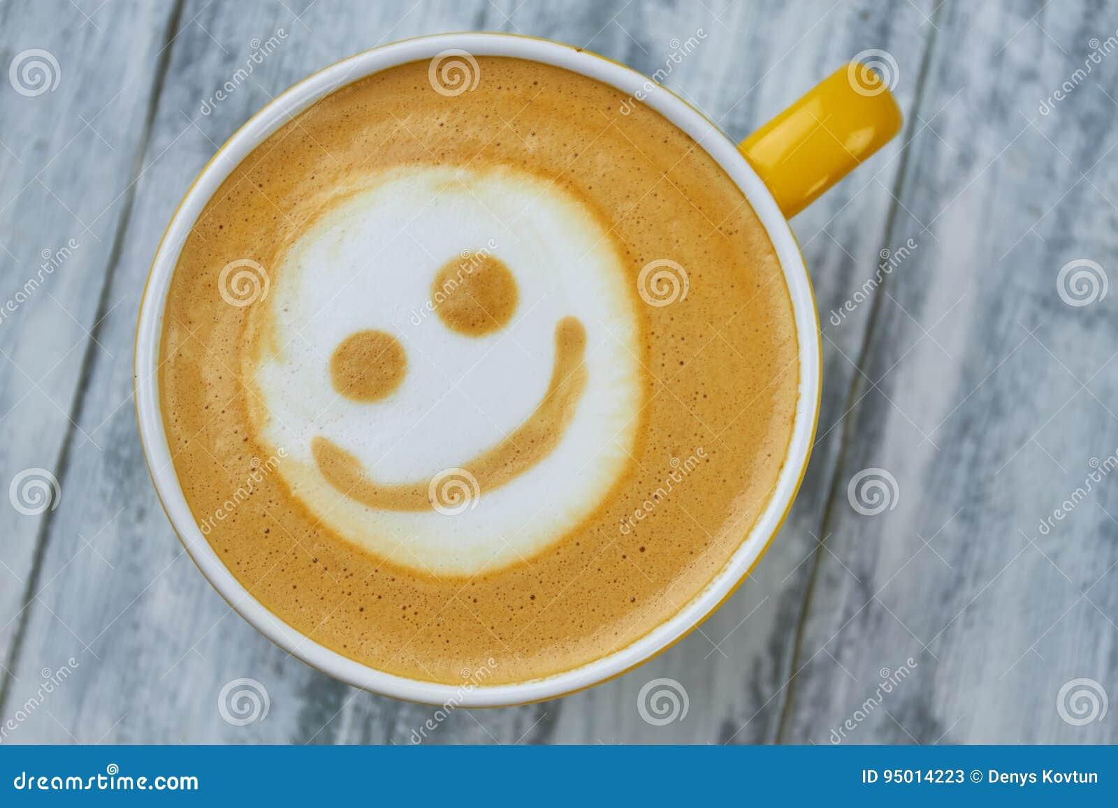 Visage de smiley d art de Latte
