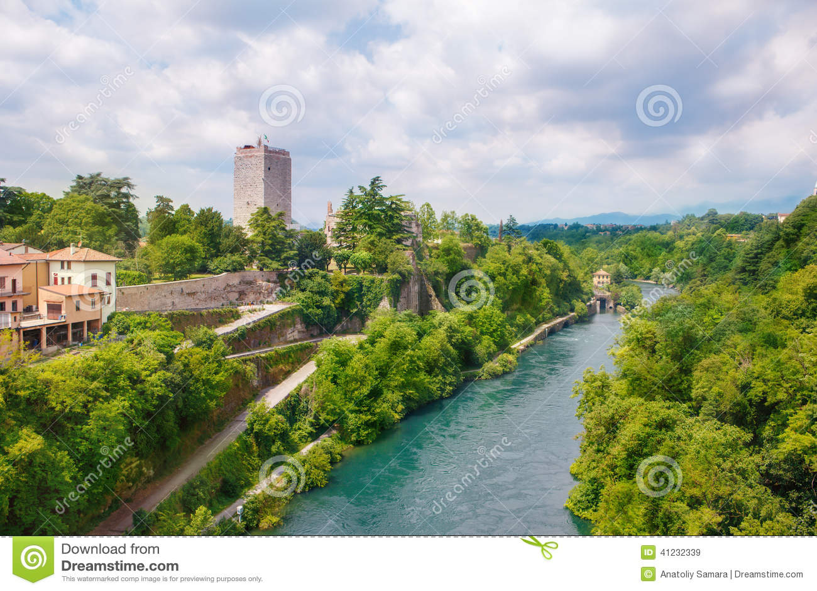 Visconti城堡和阿达河河Trezzo sull Adda的