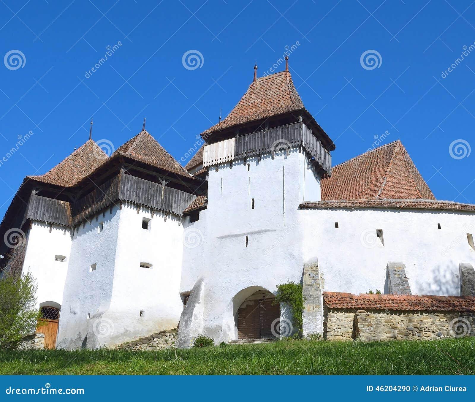 Viscri fortificó la iglesia, en Transilvania, Rumania