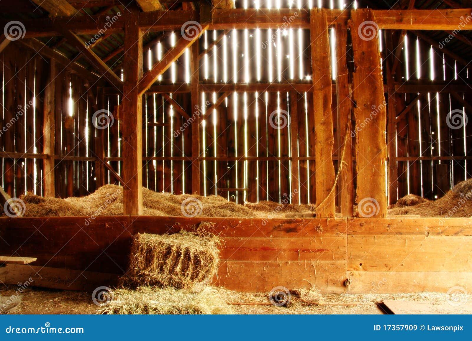 Visión dentro del granero de 100 años