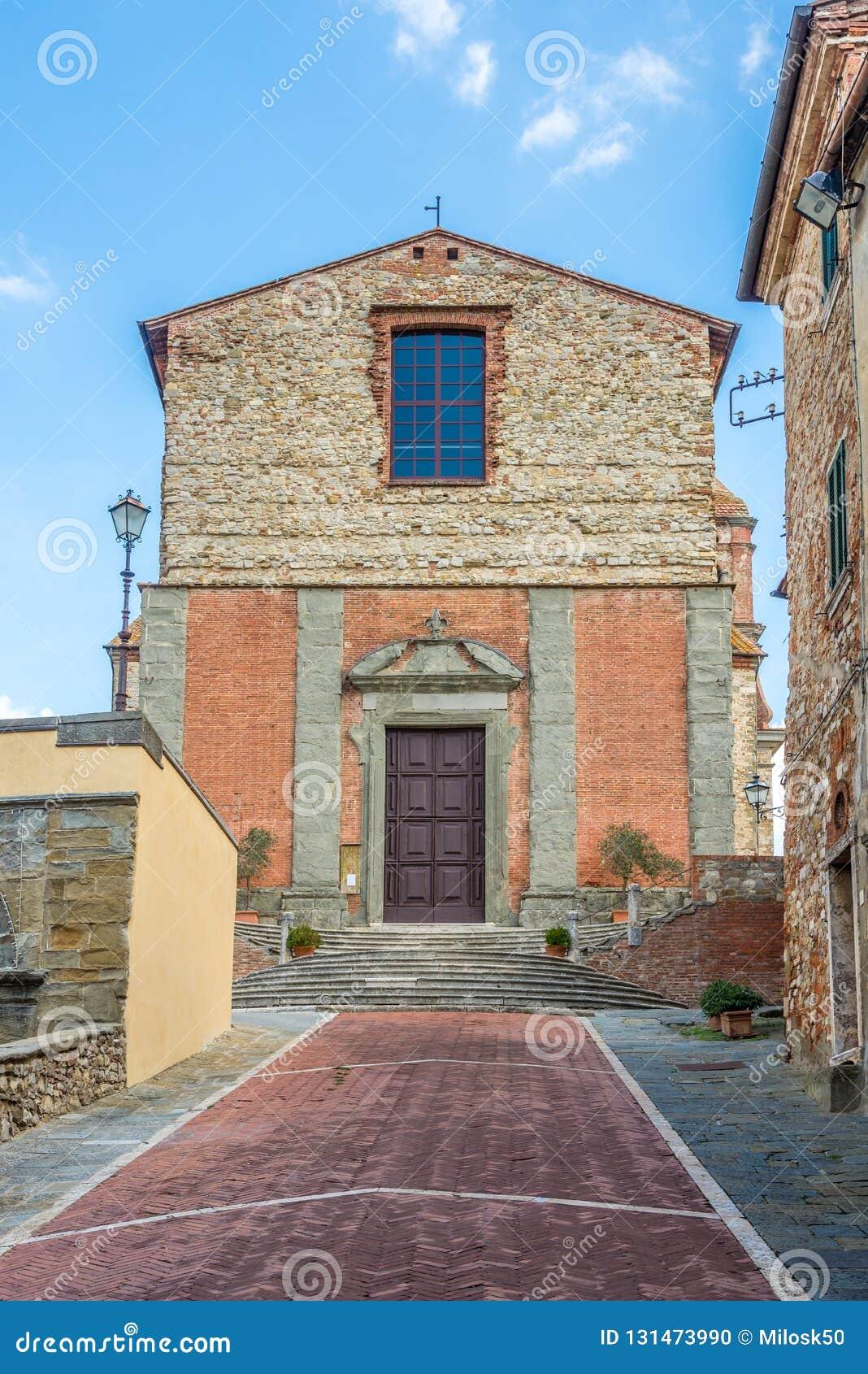 Visión en la iglesia del santo Michael Archangel en Lucignano - Italia