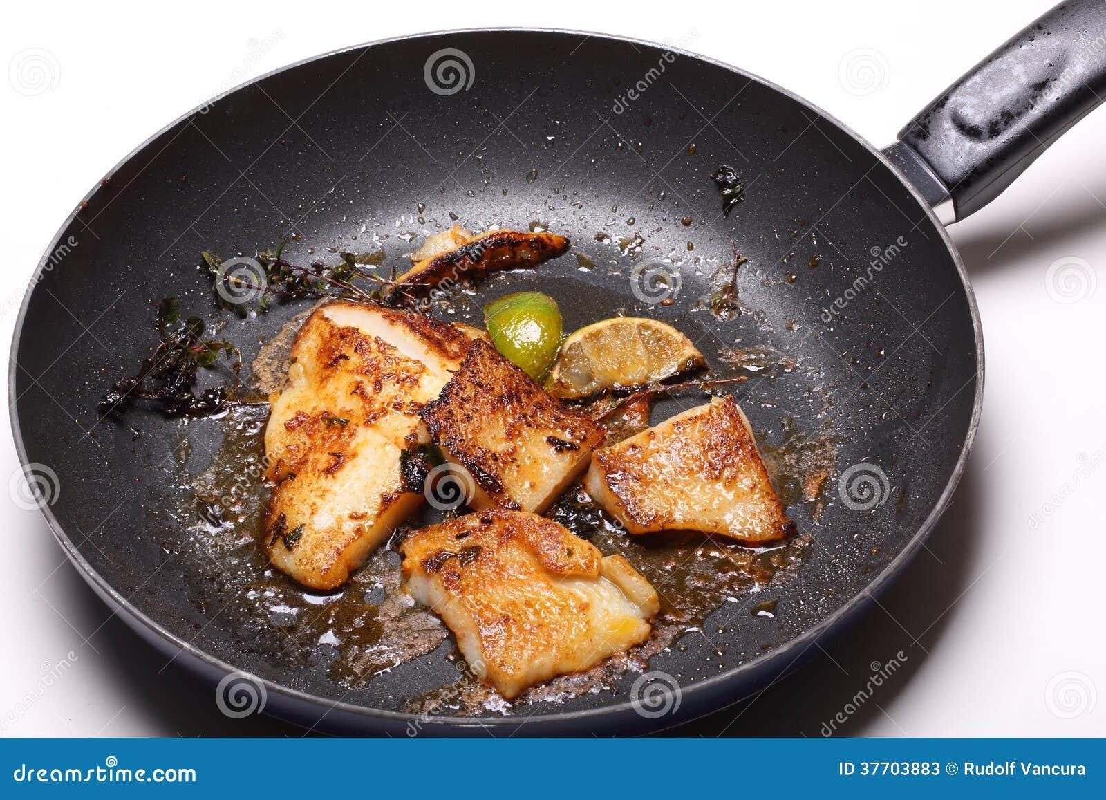 Vissenfilethaakwerk in pan