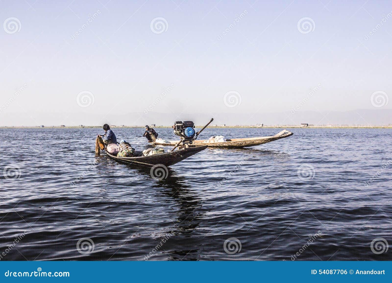 Visser bij Inle-Meer