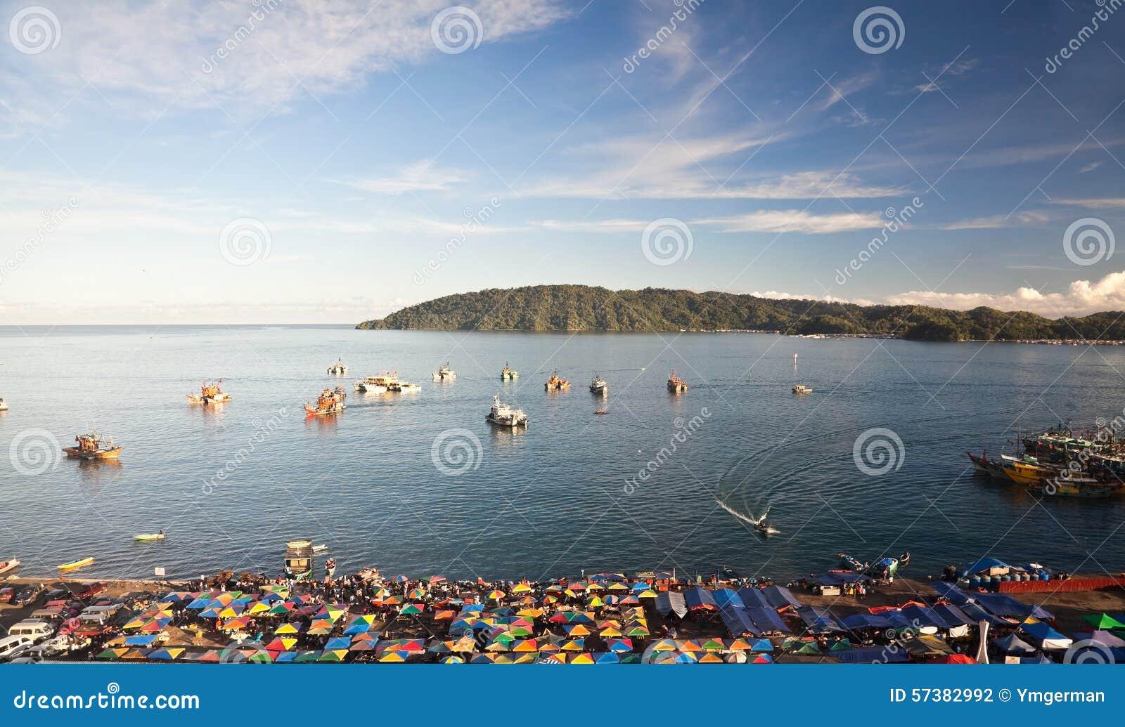 Vissershaven in de ochtend