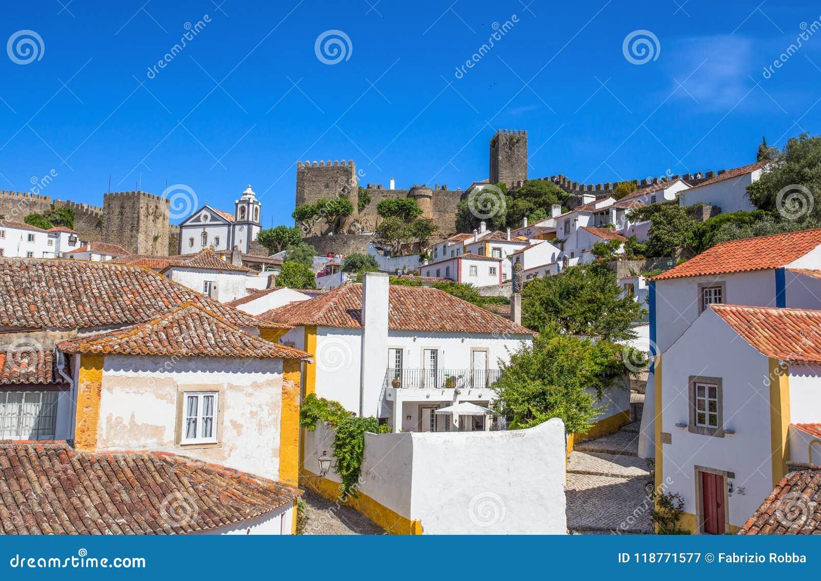 Vista à cidade Center histórica de Obidos, Portugal