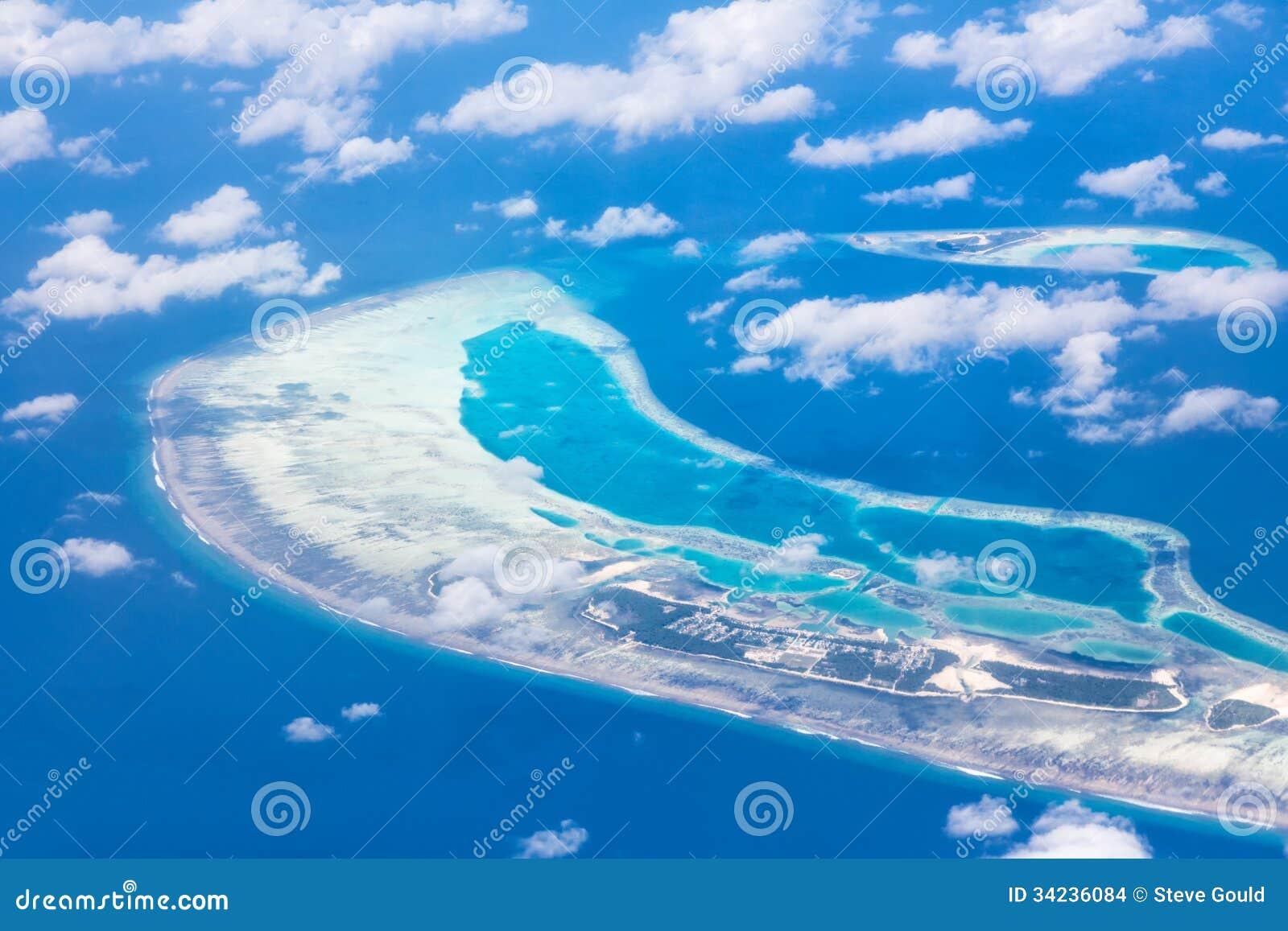 Vista aérea - atóis corais, Maldivas