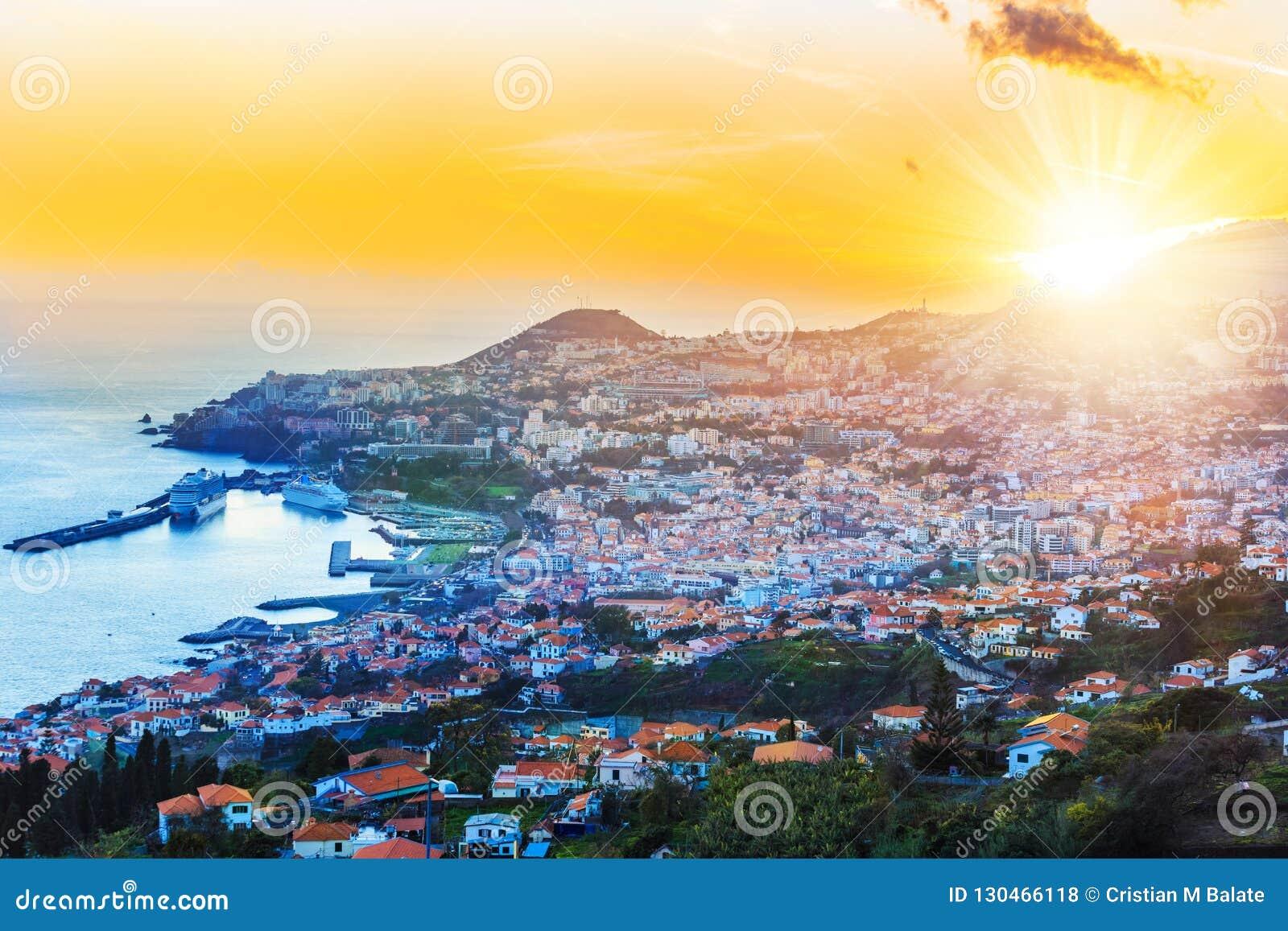 Vista aérea, de la isla de Madeira