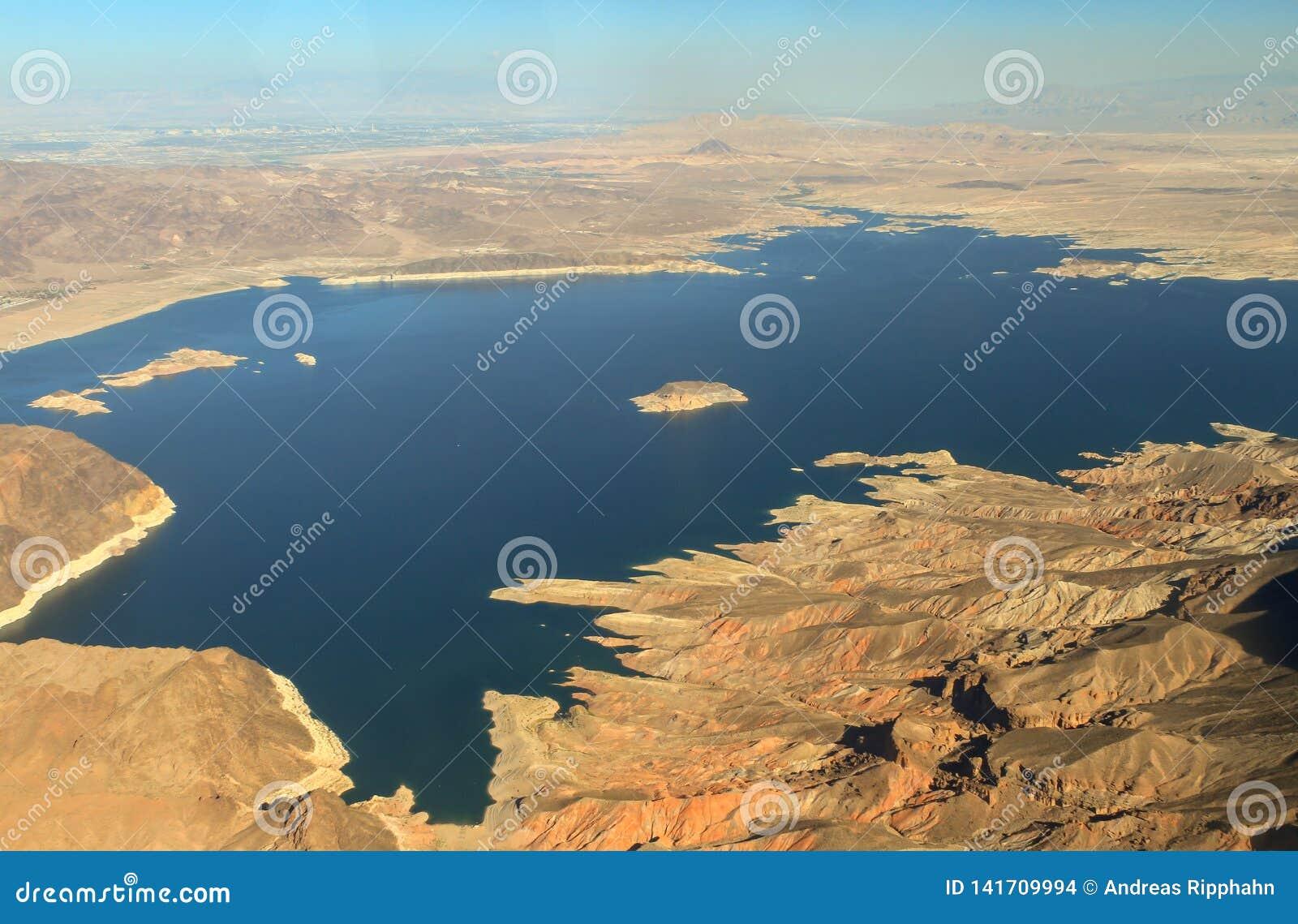 Vista aérea de la Presa Hoover en el río Colorado
