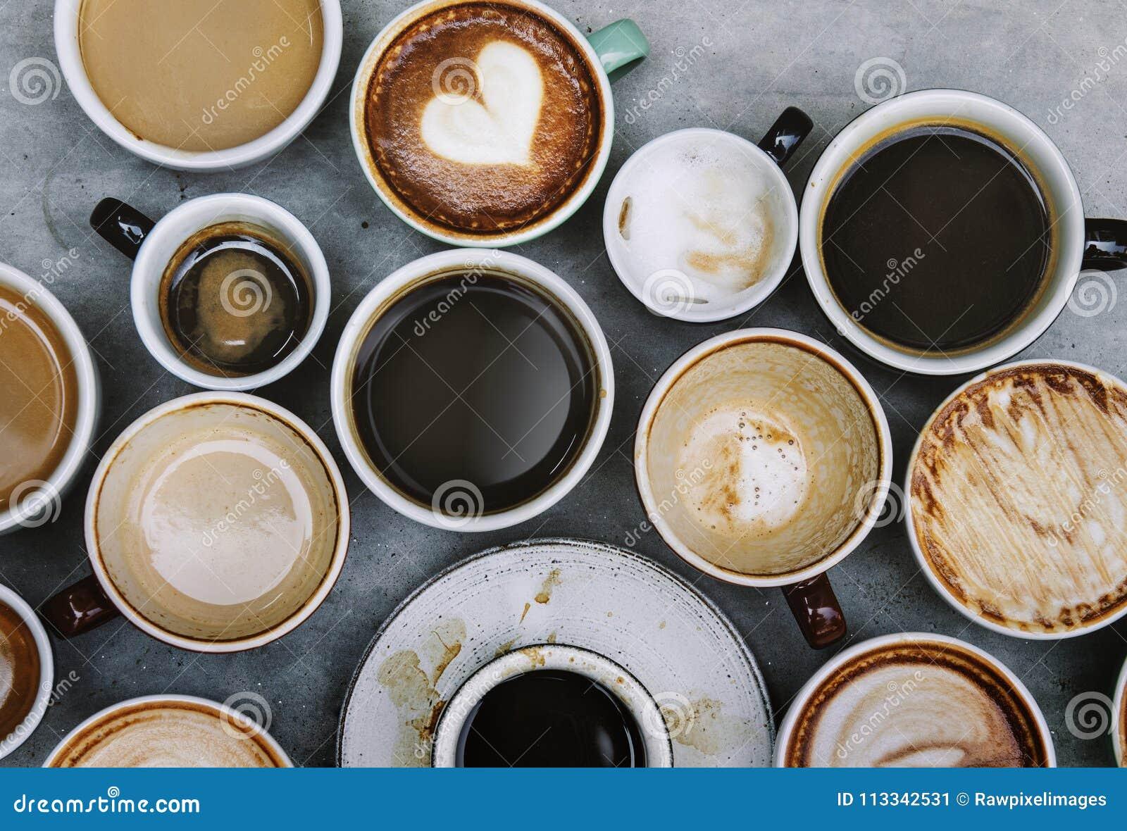 Vista aérea de las diversas bebidas calientes del café