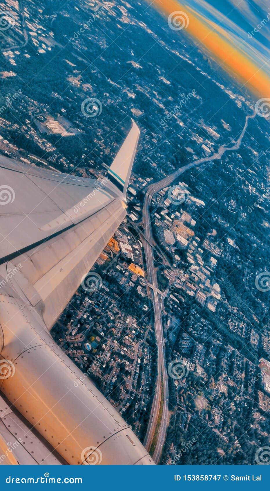 Vista aérea de uma autoestrada em Seattle