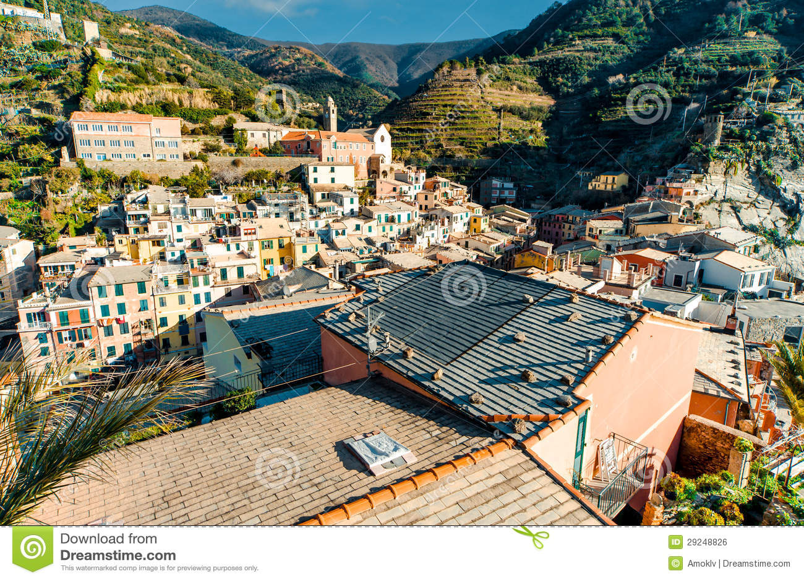 Download Vista aérea de Vernazza foto de stock. Imagem de atração - 29248826