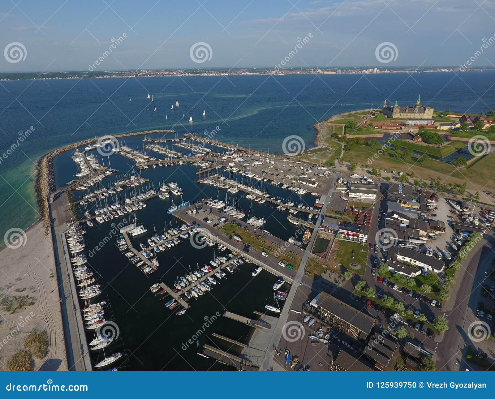 Vista aérea del castillo de Kronborg, Dinamarca