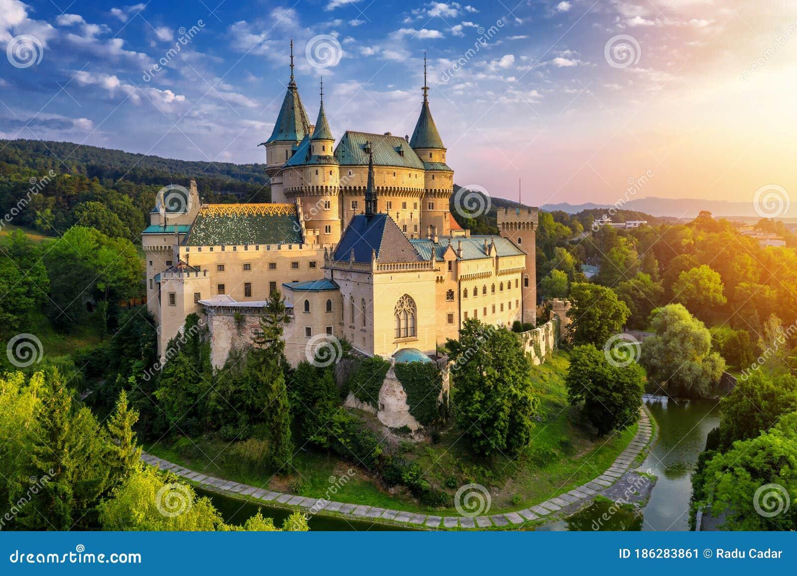 Vista Aérea Del Castillo Medieval De Bojnice Patrimonio De