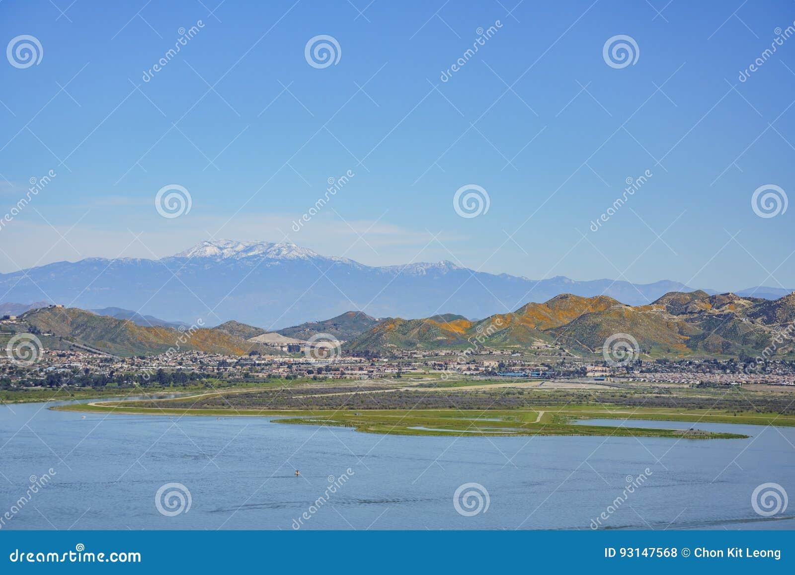 Vista aérea del lago Elsinore