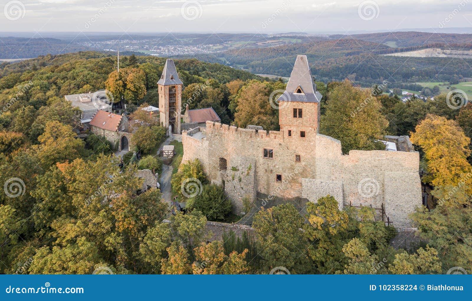 Vista aérea do castelo de Frankenstein em Hesse do sul, Alemanha