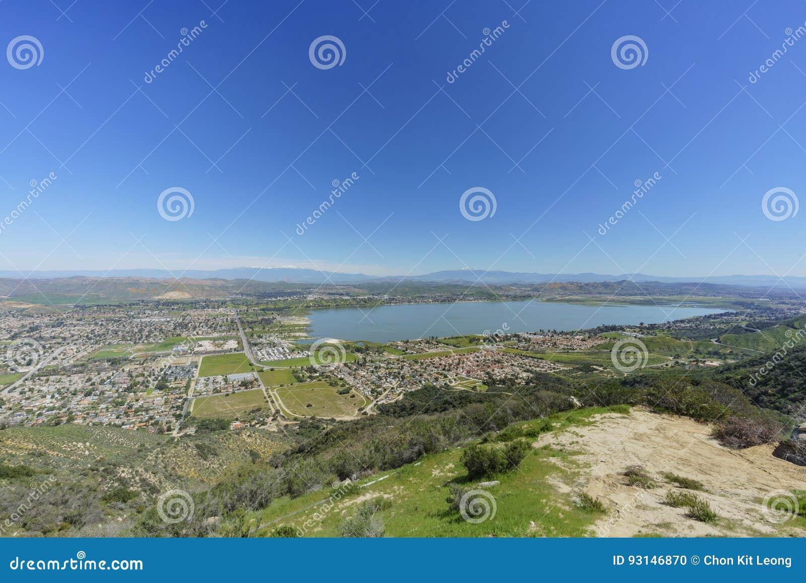Vista aérea do lago Elsinore
