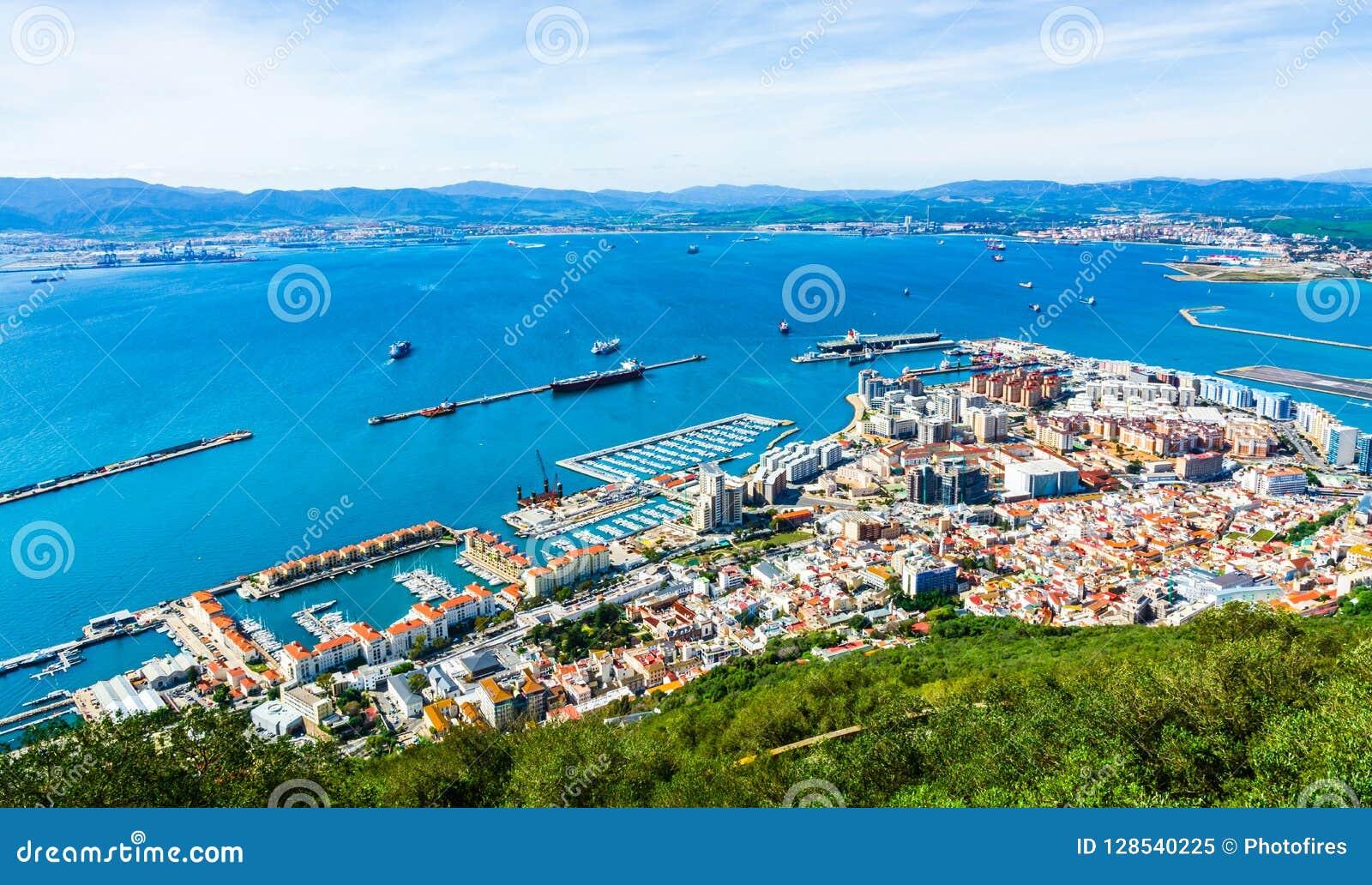 Vista aérea do porto em Gibraltar
