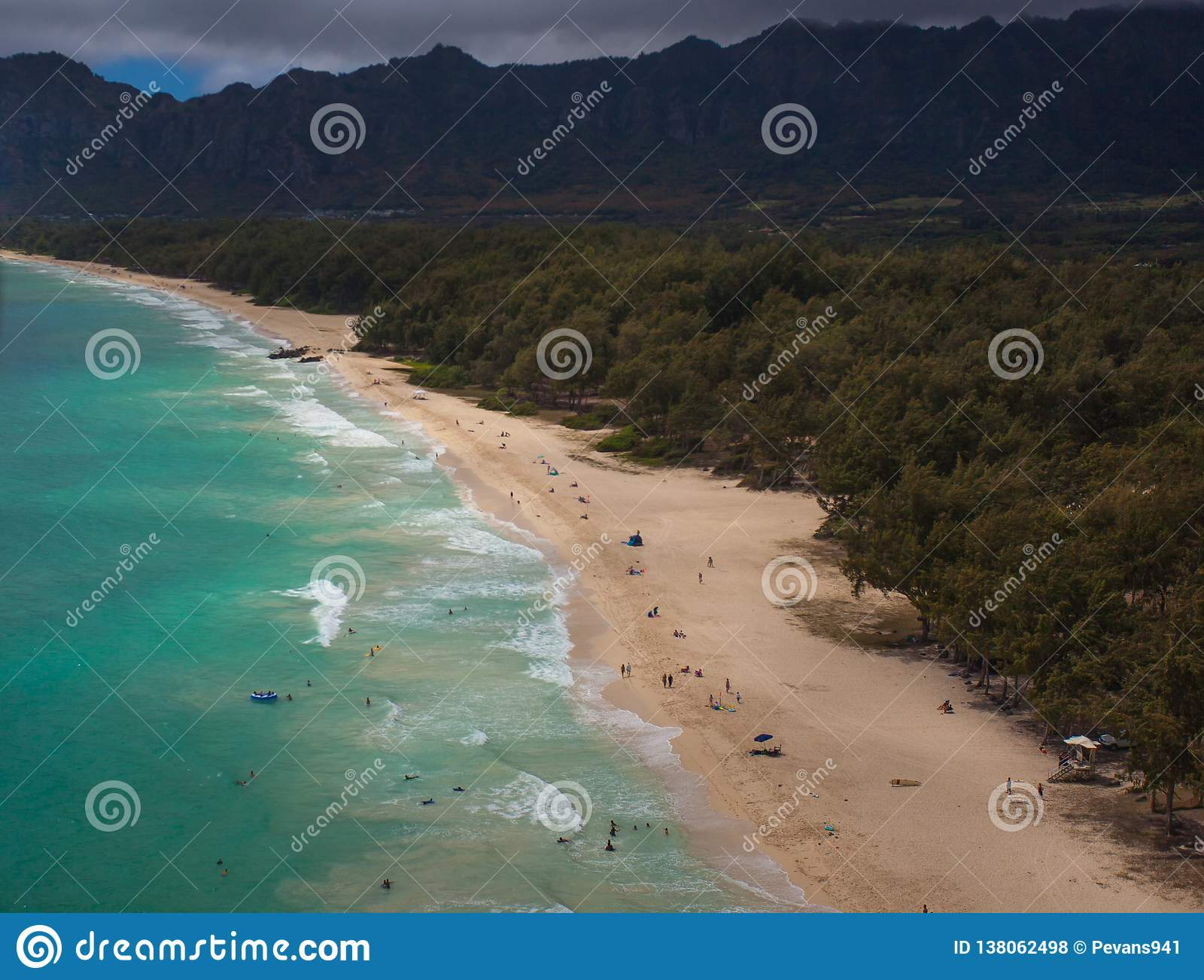 Vista aérea hermosa de la playa Oahu Hawaii de Waimanalo
