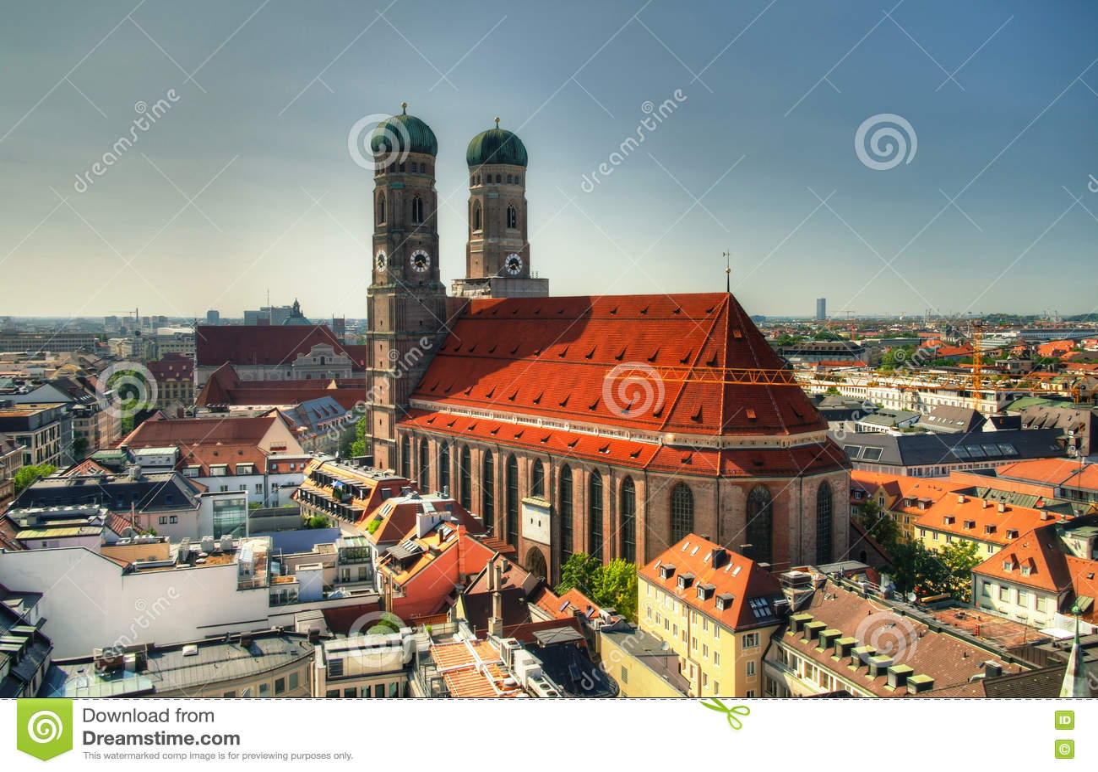 Vista aérea a la iglesia Munich Alemania de Frauenkirche